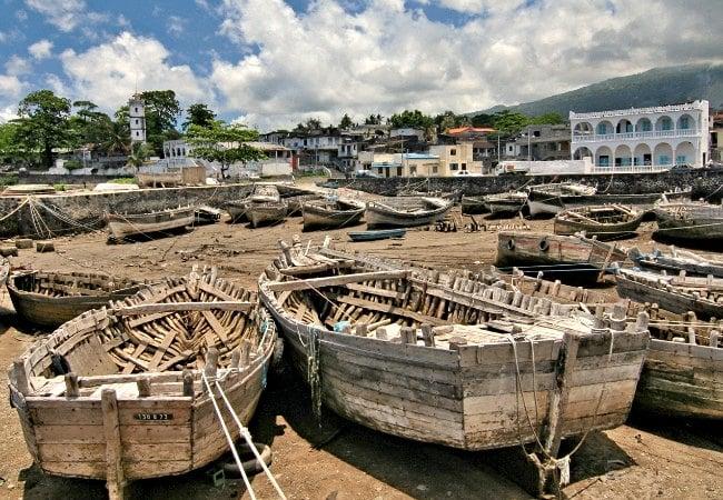 Comoros itinerary - boats on beach