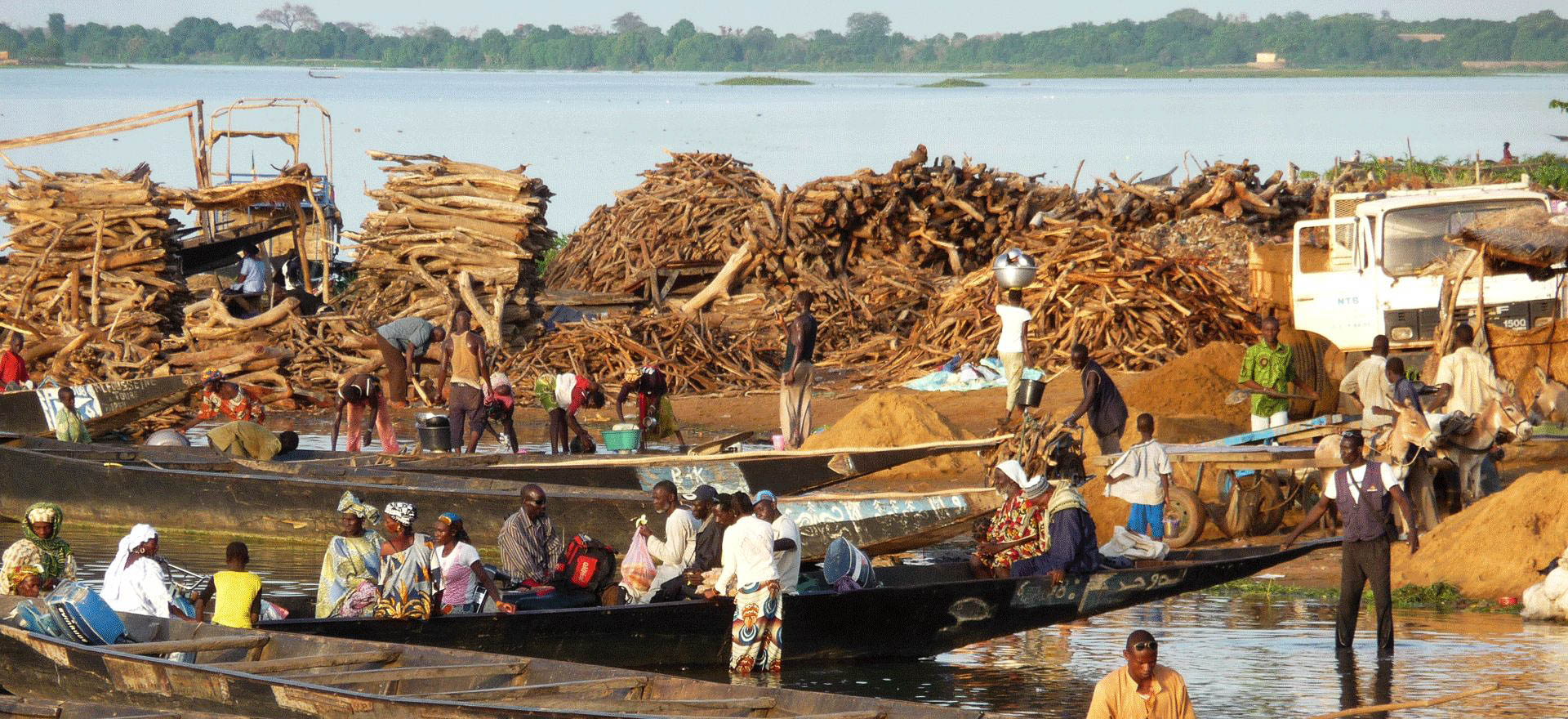 Traders on the River Niger - Mali Holidays and Tours