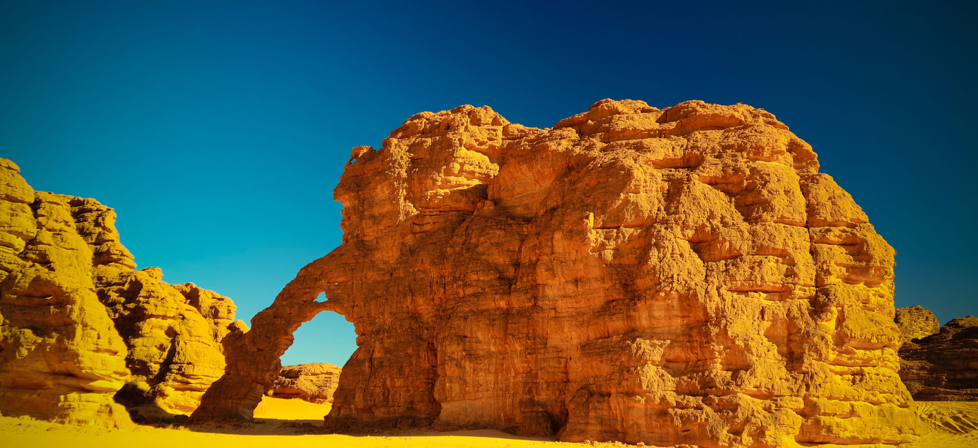 Southern Algeria itinerary - desert rock formations in Tassili n'Ajjer